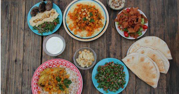 PikNik Faria Lima apresenta Dia dos Namorados Econômico com pratos variados e sarau Eventos BaresSP 570x300 imagem