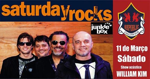 Banda Junkie Box e William Kim comandam a noite com pop rock no Republic Pub