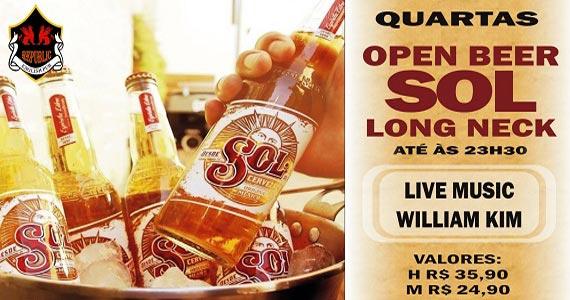 Cantor William Kim anima o happy hour com Open Sol no Republic Pub Eventos BaresSP 570x300 imagem