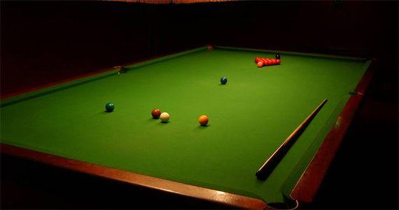 Snooker Rock Bar Moema oferece sinuca, pebolim, cerveja e happy hour Eventos BaresSP 570x300 imagem
