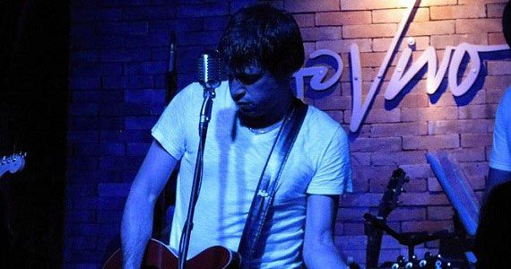 Thiago Giglio apresenta o melhor do pop rock no Ao Vivo Music Eventos BaresSP 570x300 imagem