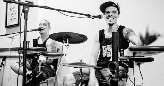 Sexta-feira tem Trio Falta Um com o melhor do MPB e pop rock no Bar Birô Eventos BaresSP 570x300 imagem