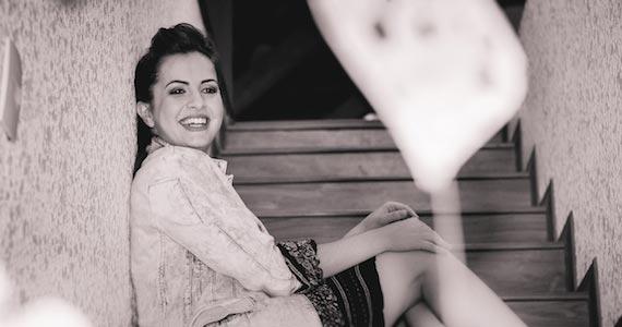"""Aline Rissuto faz o lançamento do seu primeiro EP """"Meu Ego"""" no palco do Ao Vivo Music Eventos BaresSP 570x300 imagem"""