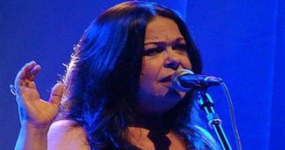 A cantora Amelinha se apresenta no Sesc Santana em comemoração ao aniversário de SP Eventos BaresSP 570x300 imagem
