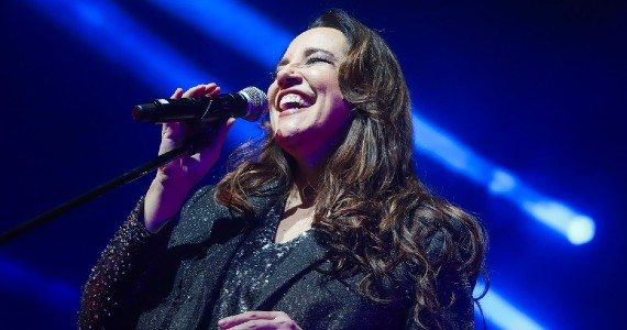 Ana Carolina faz show drivein no Allianz Parque