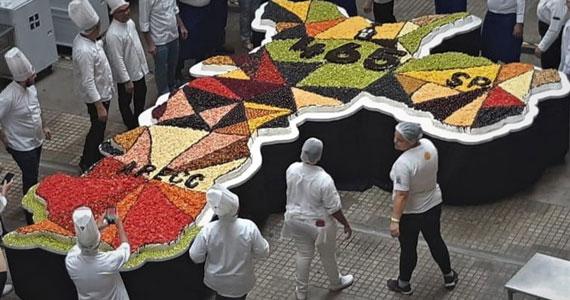 Mercado Municipal comemora 87 com bolo de 15 metros Eventos BaresSP 570x300 imagem