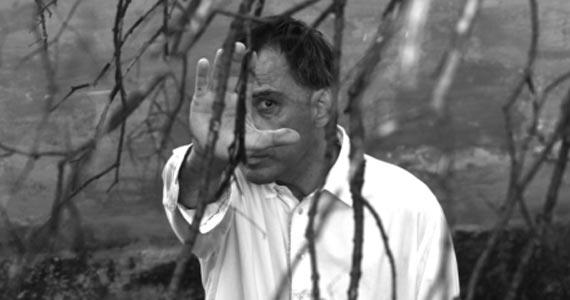 """O cantor e compositor Arnaldo Antunes faz show intimista, """"A Casa é Sua"""", no Centro Cultural Rio Verde  Eventos BaresSP 570x300 imagem"""