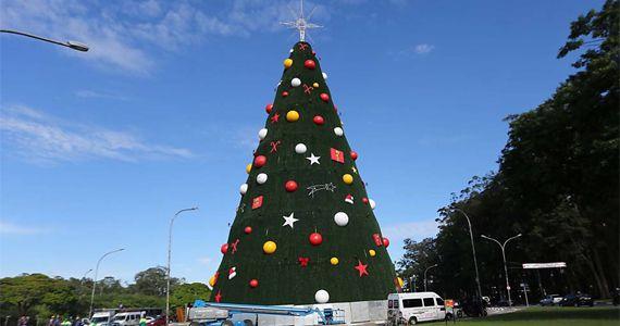 Parque do Ibirapuera é iluminado por Árvore de Natal com 16 m de diâmetro  Eventos BaresSP 570x300 imagem