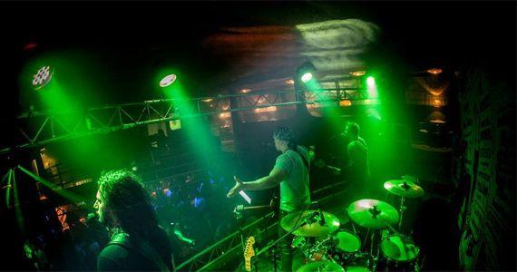Banda Big Foot apresenta o melhor do pop rock no Cadillac Vintage Bar BaresSP