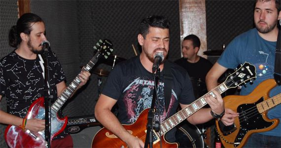 Sexta é dia de curtir o melhor do pop rock no palco do B Music Bar com a banda Hot Fuzz Eventos BaresSP 570x300 imagem