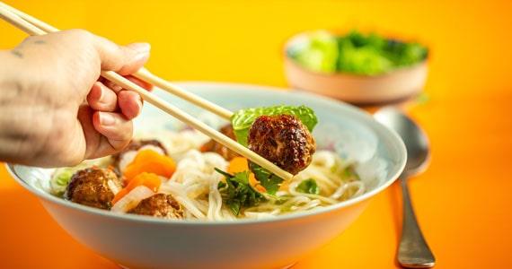 Bia Hoi prepara comidinhas vietnamitas e drinks para levar no Carnaval Eventos BaresSP 570x300 imagem