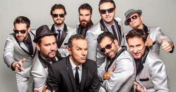 A banda Big Time Orchestra se apresenta no Bourbon Street com o melhor do pop rock BaresSP