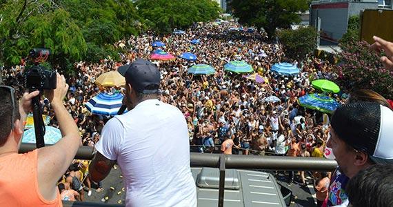 Bloco Toca um Samba Aí anima os foliões com os Inimigos da HP no Carnaval SP Eventos BaresSP 570x300 imagem