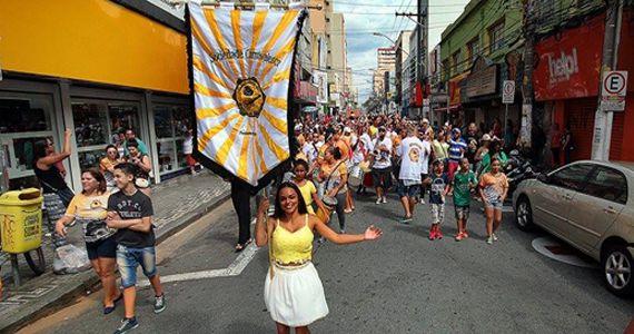 Bloco Embaixadores da Maloca do Barbosa embalam o carnaval de rua do centro de Santo André Eventos BaresSP 570x300 imagem