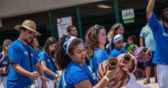 Sábado é dia de curtir o desfile do Bloco de Pedra na Rua Alves Guimarães Eventos BaresSP 570x300 imagem