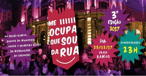 eventos - Bloco Me Ocupa Que Sou da Rua desfilando na Praça Ramos De Azevedo