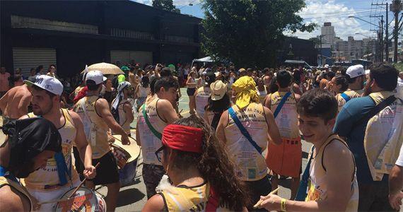 Desfile do Bloco Vá Toma na Cupecê com mestre Helinho na Avenida Cupecê Eventos BaresSP 570x300 imagem
