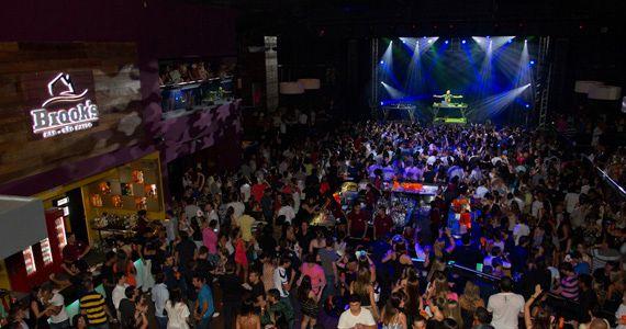 Os cantores Nando Jr e Alexsandro apresentam um show com o melhor do sertanejo moderno na Brooks Eventos BaresSP 570x300 imagem