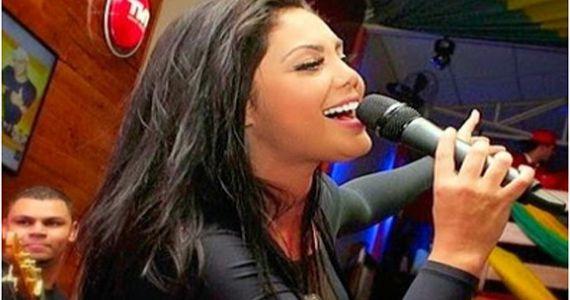 A cantora Brunna Bernardy lança o seu mais novo CD no palco da Brooks Eventos BaresSP 570x300 imagem