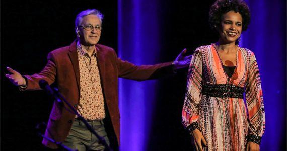 Caetano apresenta Teresa um espetáculo que simboliza a apresentação de Teresa Cristina ao mundo, através de Caetano Eventos BaresSP 570x300 imagem