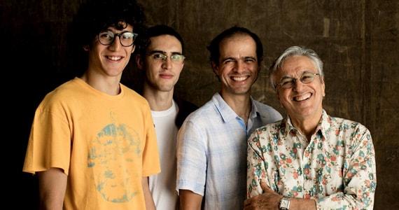 Caetano Veloso e seus filhos apresentam o show Ofertório no Credicard Hall em Novembro Eventos BaresSP 570x300 imagem