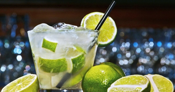 Sexta-feira é celebrada com caipirinha no Elídio Bar Eventos BaresSP 570x300 imagem