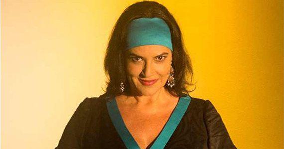 A cantora Fortuna apresenta o albúm Novos Mares no Teatro Porto Seguro Eventos BaresSP 570x300 imagem