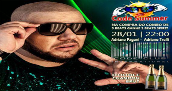 Code Summer com os Djs Adriano Trulli e Adriano Pagani fervendo a pista do Code Club Eventos BaresSP 570x300 imagem