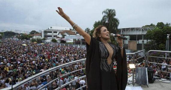 Daniela Mercury agita a comemoração do aniversário de 463 anos de São Paulo Eventos BaresSP 570x300 imagem