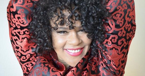 Show da cantora inglesa Dawn Tyler Watson no Bourbon Street Music Club Eventos BaresSP 570x300 imagem