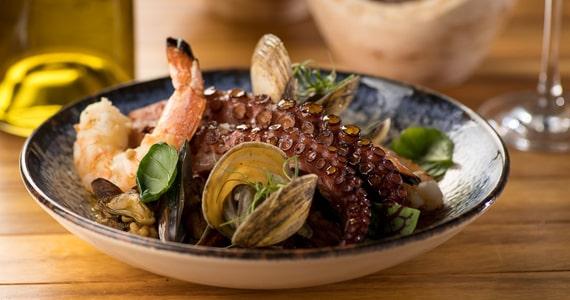 Lolla Restaurante traz deliciosas novidades para o Dia dos Namorados Eventos BaresSP 570x300 imagem