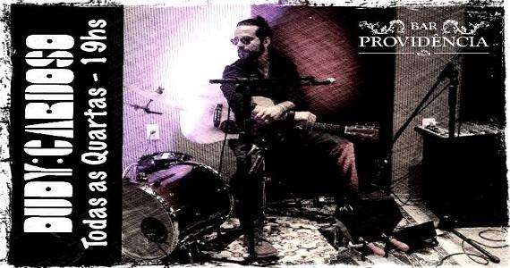 Dudy Cardoso comanda a quarta-feira com pop rock no Bar Providência Eventos BaresSP 570x300 imagem