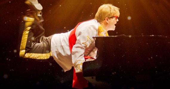Elton John Tribute Rocketman no Teatro Bradesco Eventos BaresSP 570x300 imagem