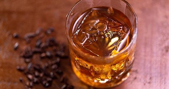 Eugênia Café realiza releitura do clássico Old Fashioned Eventos BaresSP 570x300 imagem