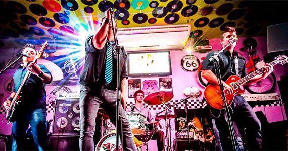 Muito pop rock com a banda General Tequila agitando o Cadillac Vintage BaresSP