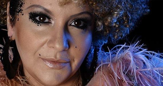Gottsha revive sucessos da discoteca em show no Teatro Porto Seguro Eventos BaresSP 570x300 imagem