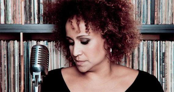 Graça Cunha apresenta releituras de grandes artistas no palco do Ao Vivo  Eventos BaresSP 570x300 imagem