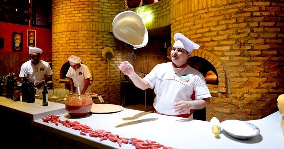 Pizzaria da zona norte, Graça di Napolli, oferece taça de espumante como cortesia no domingo das mães Eventos BaresSP 570x300 imagem