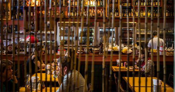 Bar do Mocotó oferece cervejas nacionais e internacionais para o happy hour  Eventos BaresSP 570x300 imagem