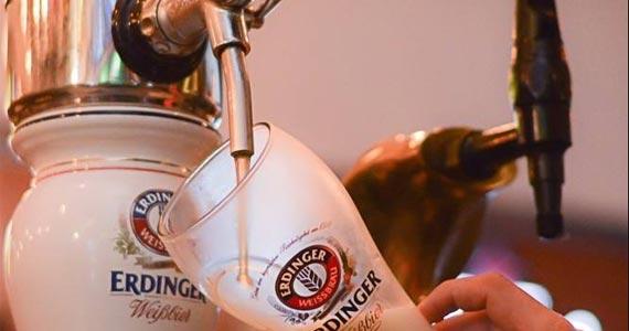 Bottled Dog oferece happy hour com 300 opções de rótulos de cervejas e uma seleção especial de chopps  Eventos BaresSP 570x300 imagem