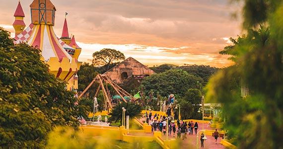 Hopi Hari estreia atração especial de carnaval Eventos BaresSP 570x300 imagem