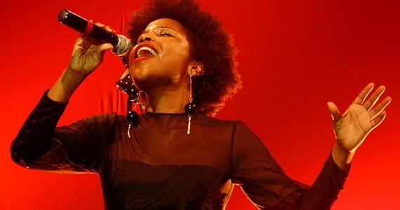 Jesuton apresenta hits de seu álbum Home em show no Teatro Porto Seguro Eventos BaresSP 570x300 imagem