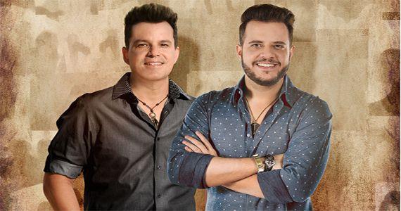 João Neto e Frederico tocam hits como 'Lê lê lê', 'Crime perfeito' e 'Presto pouco' no On Stage Complexo Jequitimar  Eventos BaresSP 570x300 imagem