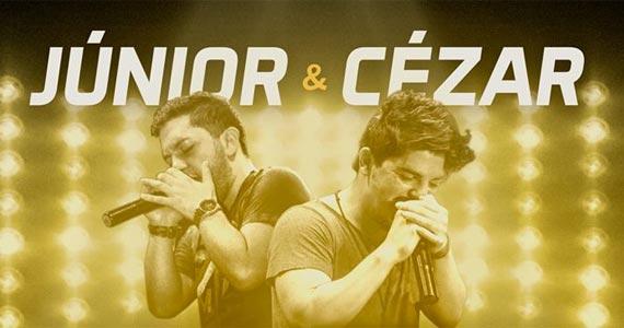 A dupla Junior & César sensibiliza e contagia a todos com um sertanejo universitário no Villa Mix Eventos BaresSP 570x300 imagem