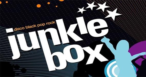 Banda Junkie Box apresenta grandes sucessos do pop rock no The Blue Pub Eventos BaresSP 570x300 imagem