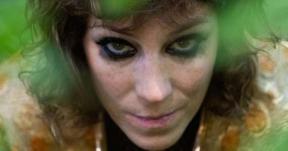 Karina Buhr apresenta show do disco Desmanche no Sesc Belenzinho em Novembro Eventos BaresSP 570x300 imagem