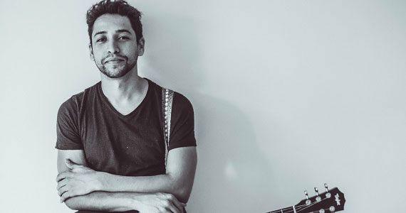 Leandro Léo apresenta Tudo a Seu Tempo no palco do Ao Vivo Music Eventos BaresSP 570x300 imagem