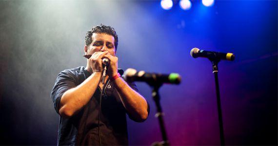 O gaitista e cantor Marcio Abdo agita a noite com o melhor do blues no O Malleys Eventos BaresSP 570x300 imagem