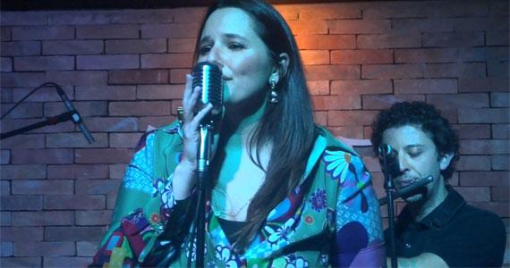 Mariana Belém apresenta no palco do Ao Vivo Music uma homenagem a sua família Eventos BaresSP 570x300 imagem