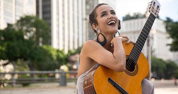 Martina Marana lança Eu toco mal no Auditório da EMESP Eventos BaresSP 570x300 imagem